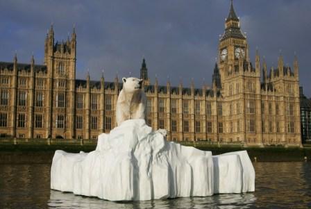polar-bear-on-the-thames