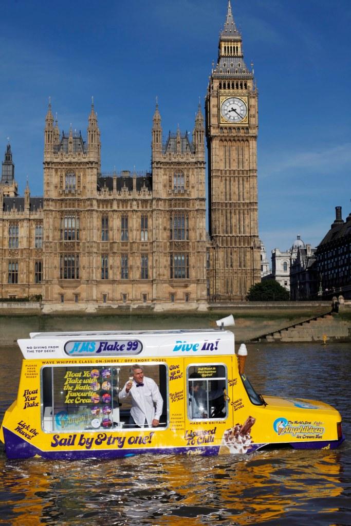 Amphibious Ice Cream Van River Thames1