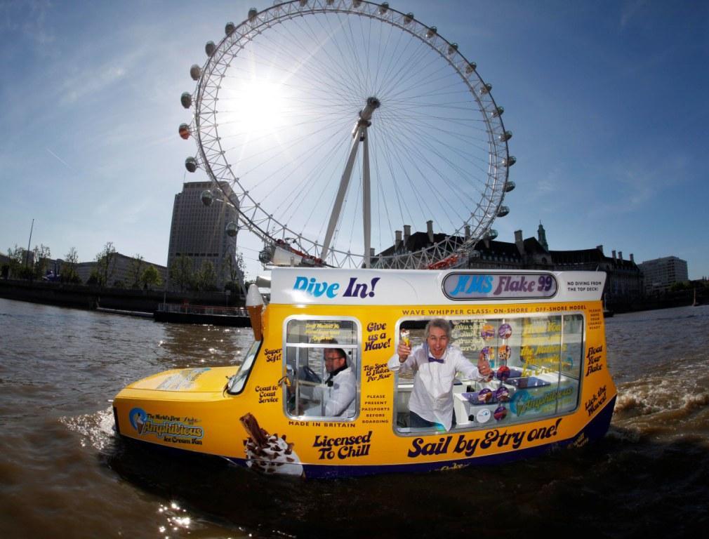 Amphibious Ice Cream Van london eye
