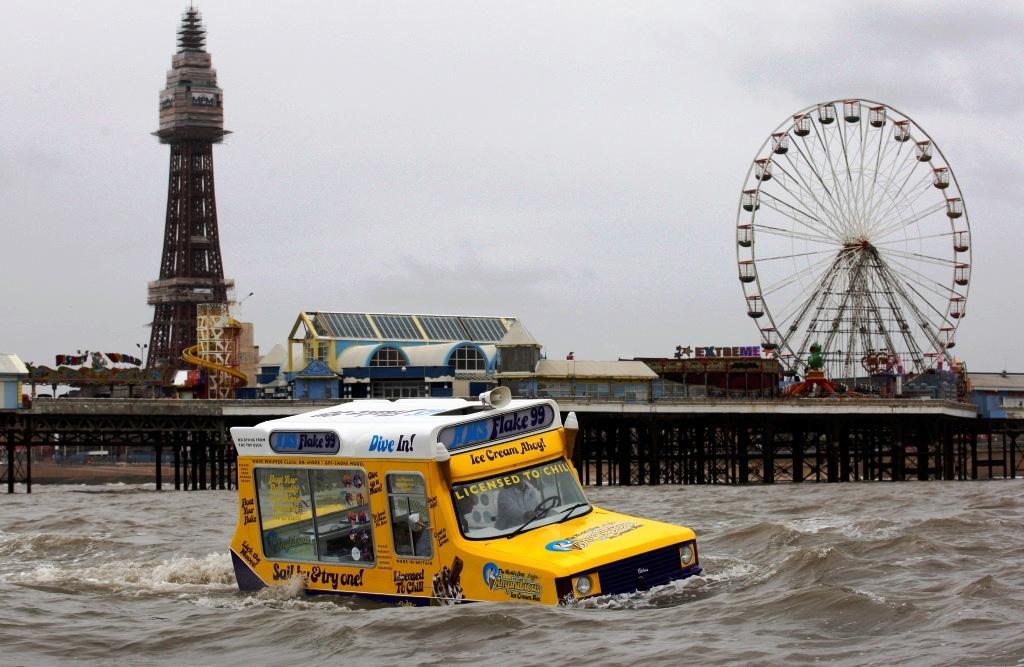 Amphibious IceCream Van Blackpool 11