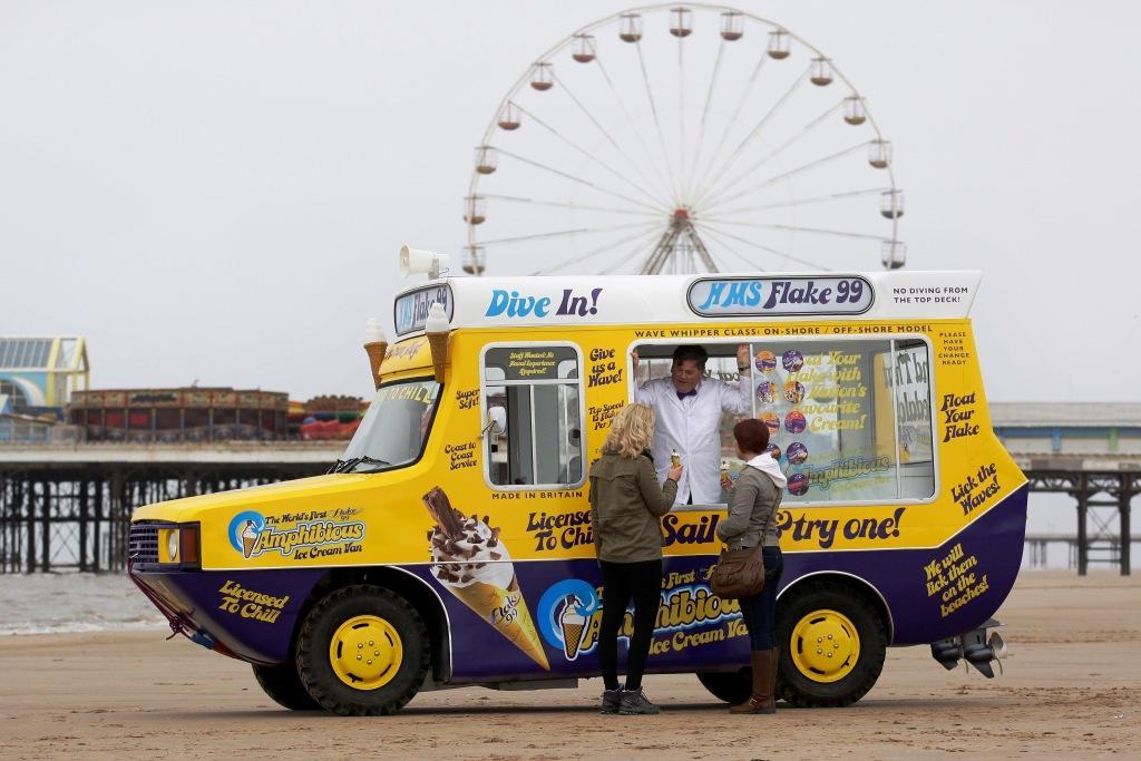 Amphibious IceCream Van Blackpool 51