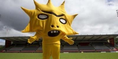 Patrick-Thistle-mascot-Kingsley-400x200